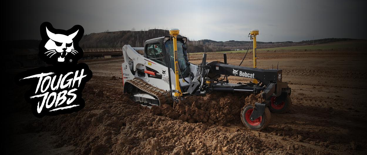 Service Bobcat: employé effectuant des tâches de maintenance sur une machine Bobcat