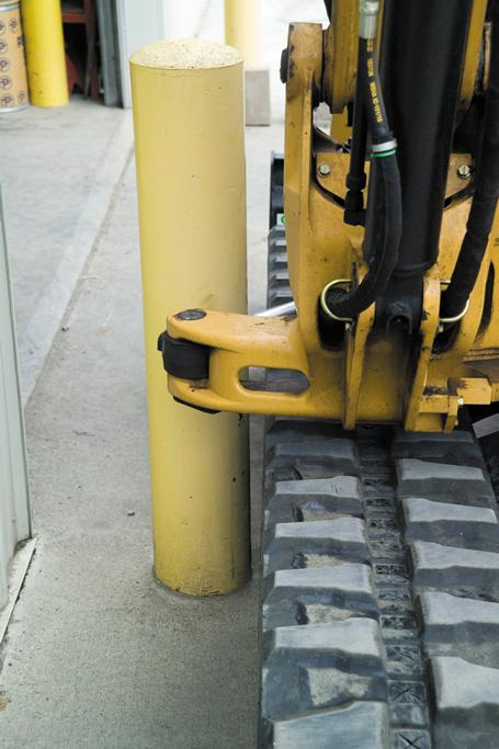 "Other compact excavator (mini excavator) with ""unicorn"" protruding cast and cylinders."
