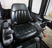 Komfort für den Fahrer in der Kabine des Bobcat-Kompaktbaggers.