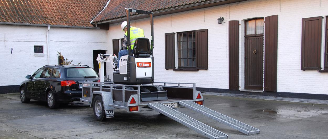 Bobcat Compact (mini) Excavator E08 on trailer
