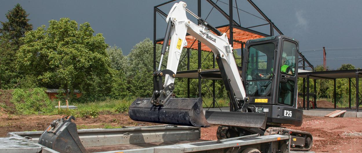 Bobcat E25 compact excavator (mini excavator) with retractable undercarriage.