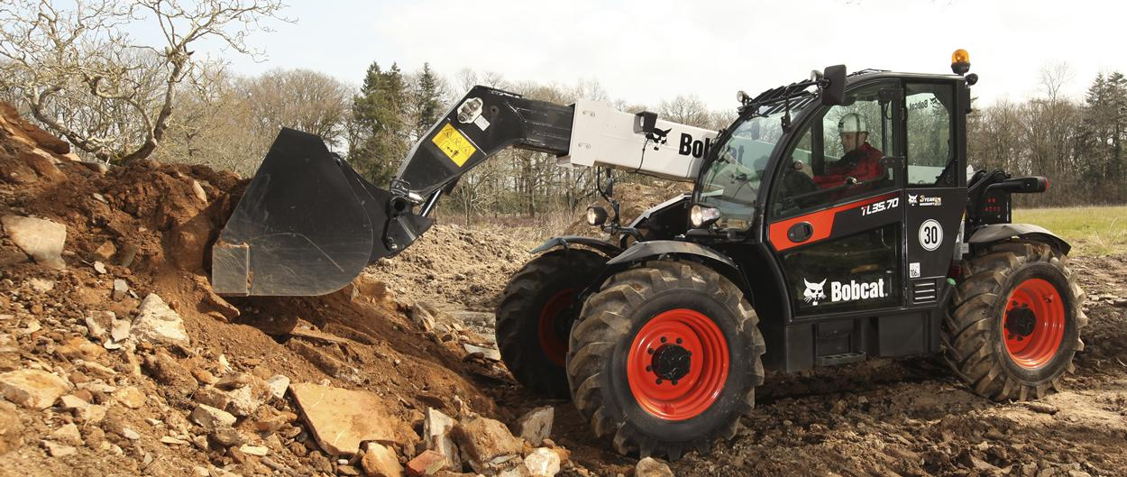Bobcat TL35.70 Telescopic Loader with Digging bucket