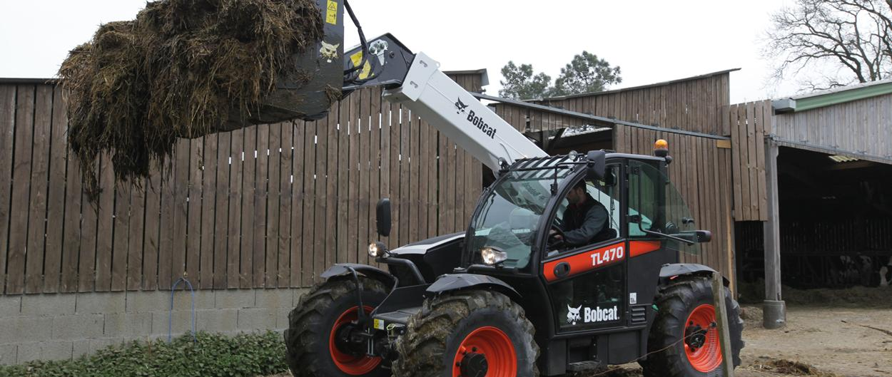 Bobcat Telescopic Loader TL470 with Grapple Bucket Attachment