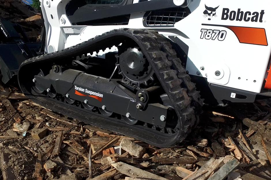 Bobcat compact track loader with 5-Link torsion suspension undercarriage video.