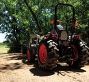 Manual Synchro Shuttle Transmission On a Bobcat Compact Tractor Leveling Path