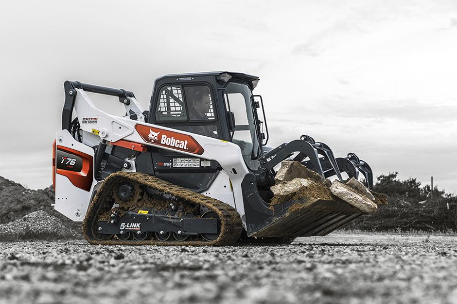 R-Series Compact Track Loader Featured At Trade Shows