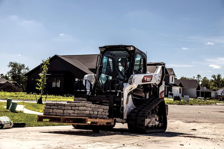 Bobact T66 Compact Track Loader With Pallet Fork Attacment Moving Pallets.
