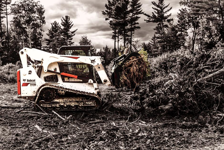 Bobcat T770 Compact Track Loader with Root Grapple.