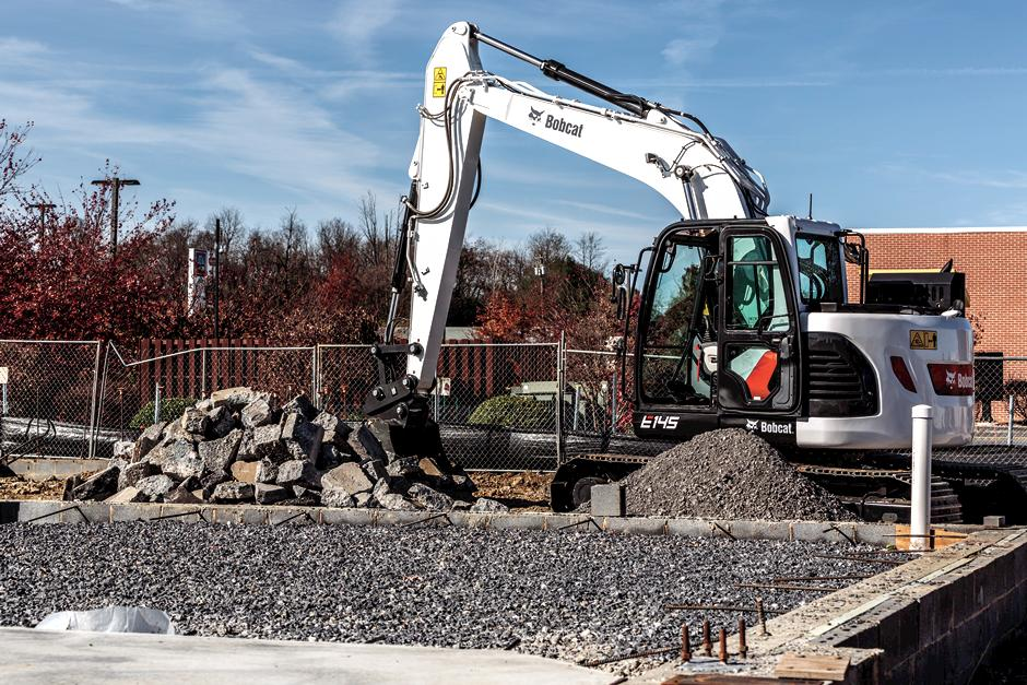 14-16T Size Class Large Excavator From Bobcat Company Lifting Heavy Concrete Debris