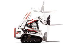 Bobcat T550 compact track loader diagram demonstrating the radius lift path.