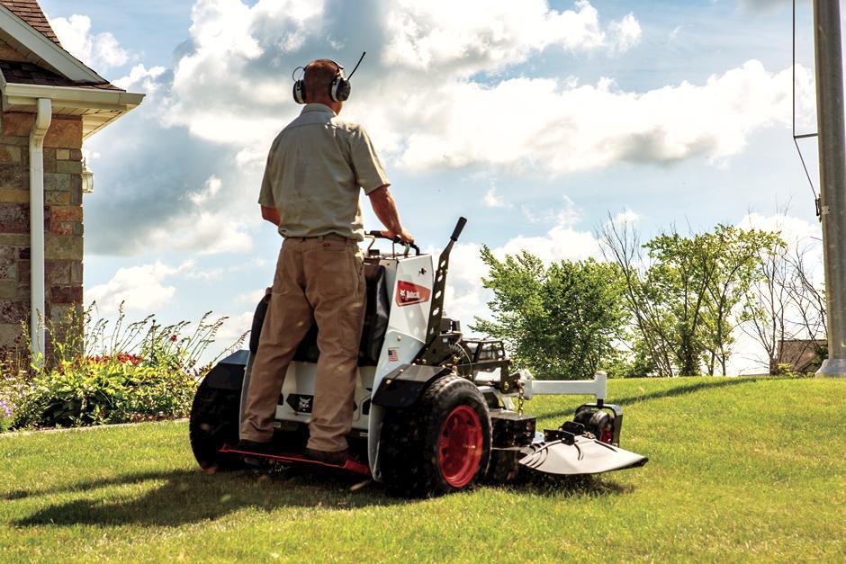 """=""""Bobcat ZS4000 Zero-Turn Stand-On Mower Platform"""