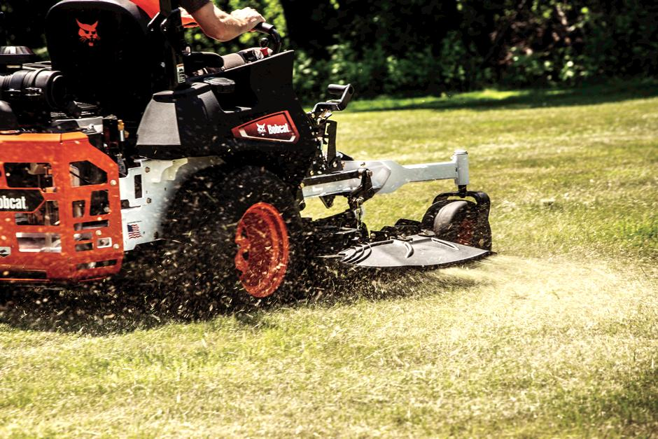 Bobcat ZT6000 Zero-Turn Mower Grass Shooting Out Of Discharge Chute