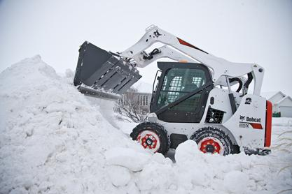 Bobcat M2-Series S750 skid-steer loader