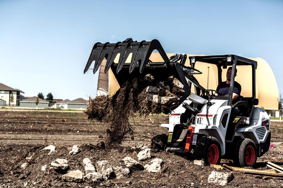 Bobcat L23 Compact Articulating Loader With Root Grapple Attachment