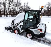 Cross-ventilation windows and an optional enclosed, heated cab keep operators comfortable in every season.