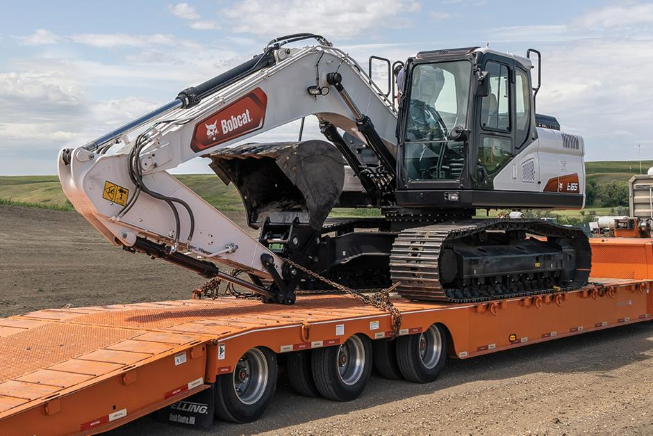 Bobcat E165 On a Trailer