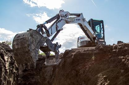 As an alternative to a compact excavator clamp attachment, the Pro Clamp™ system consists of a base component, standard pin-on work tool and optional grading tool.