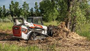 Bobcat T76 Compact Track Loader With Grapple Loader Attachment