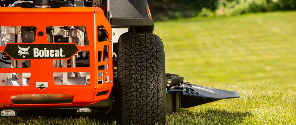 New Bobcat Zero-Turn Mower Tailgate And Side View Of Mowing Deck