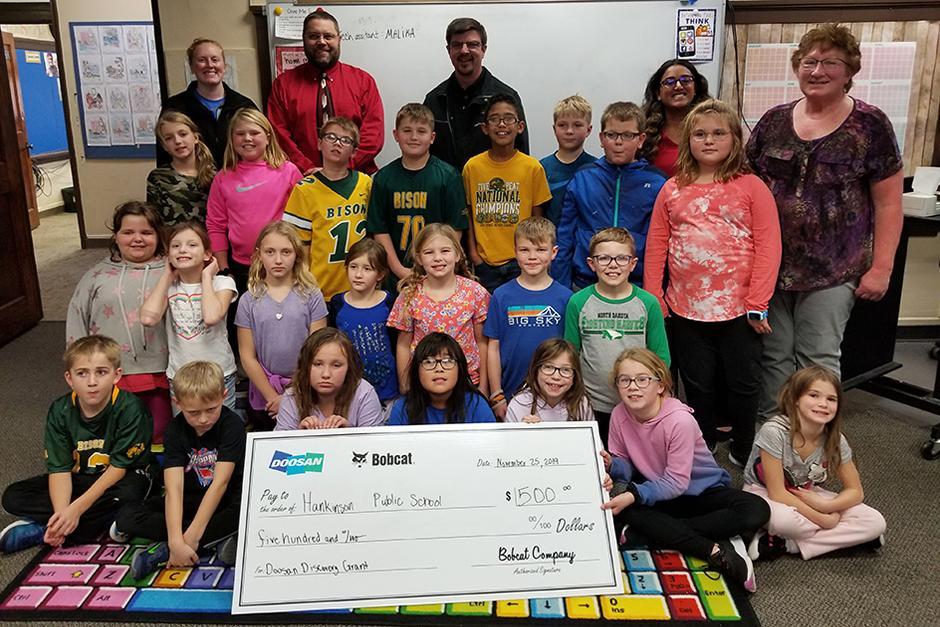 Students receiving Doosn Discovery Grants