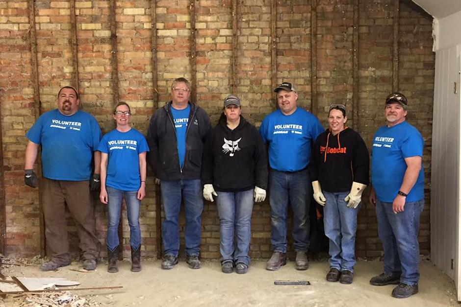 Doosan Bobcat employees volunteer in Gwinner, North Dakota.