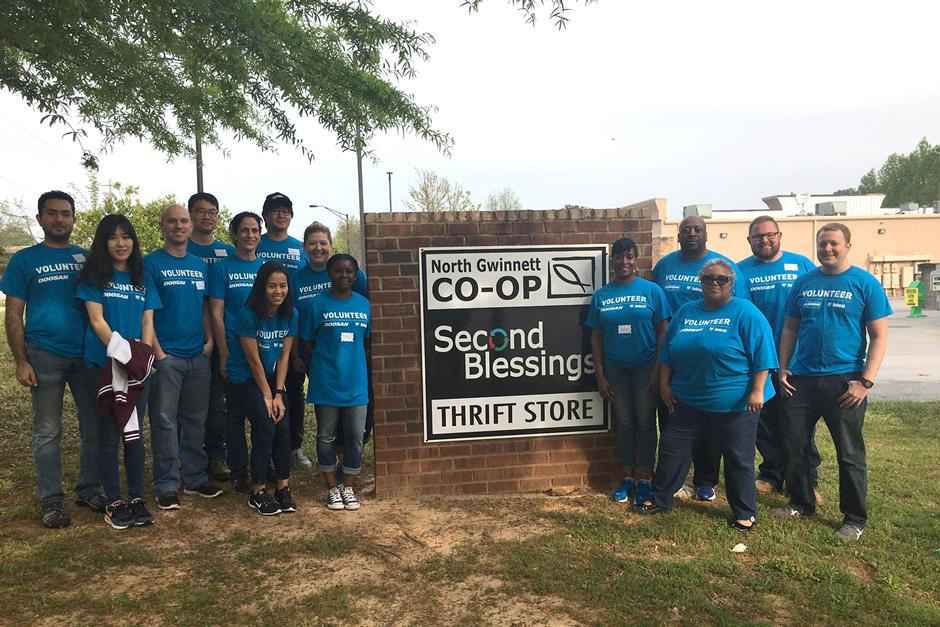 Suwanee, Georgia, Employees Donate Time For Doosan Day of Community Service