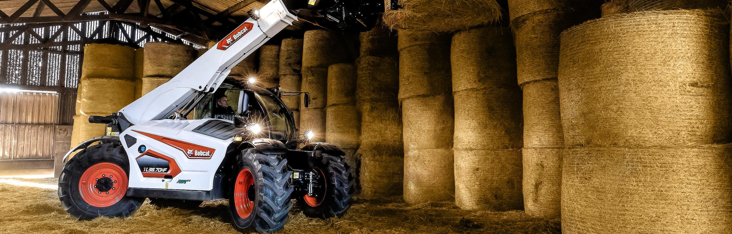 R-Series Telehandlers for Agriculture