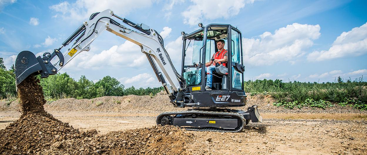 E27 Compact Excavator Bobcat