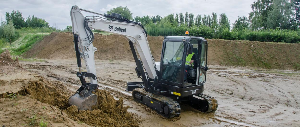 Bobcat compact (mini) excavator E62 with bucket