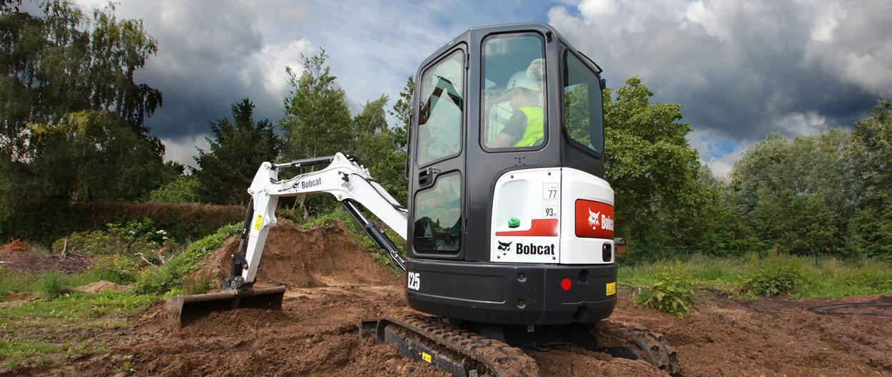 Excavadora compacta (mini) Bobcat E25