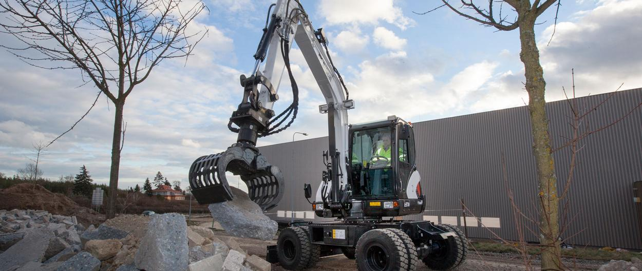 Bobcat Wheeled Excavator E57W with Demonlition Grab attachment