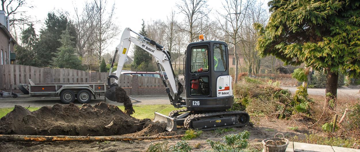 bobcat-e26-compact-excavator-field-hero.png