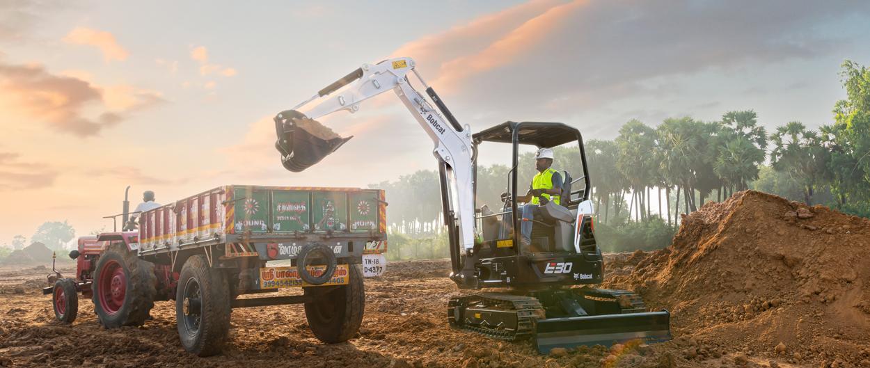 e30 compact excavator