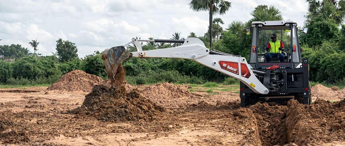 The All New Bobcat B900 CEV Stage IV Backhoe Loader in India
