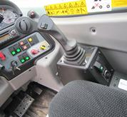 bobcat Auxiliary line controlled from joystick