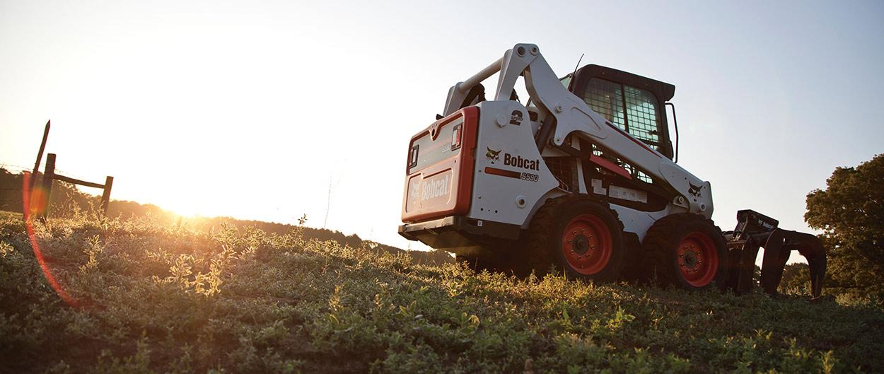 Bobcat skid/steer loader S590.