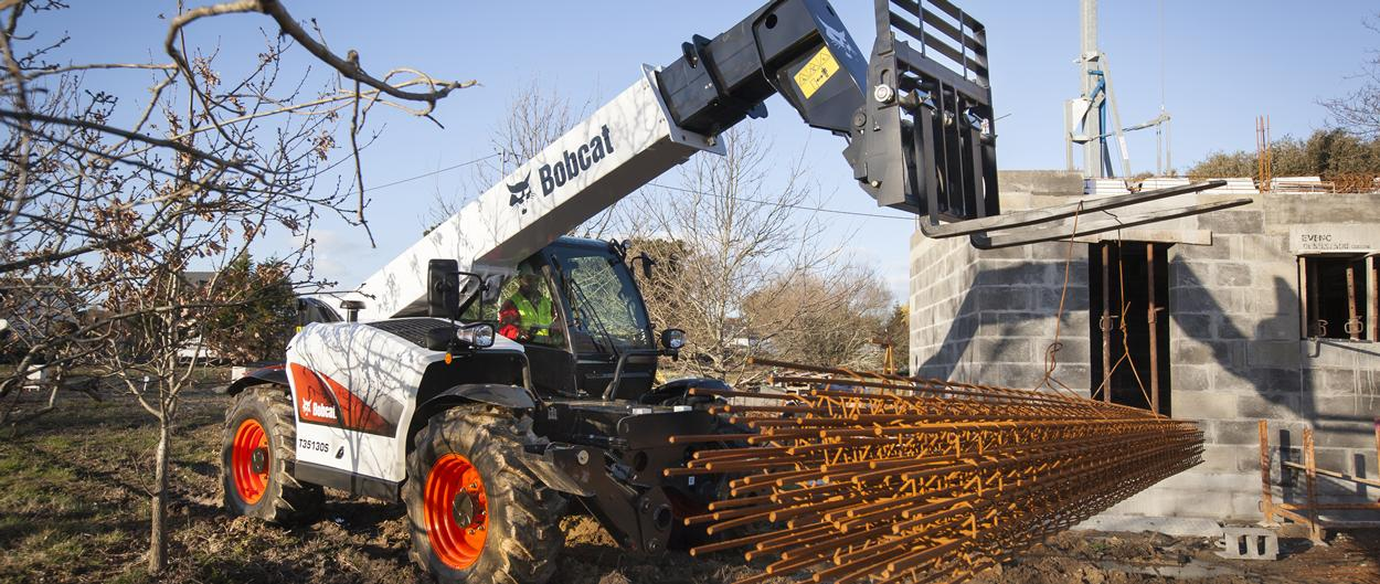 Bobcat Telescopic Handler T35130S with Pallet Fork Attachment