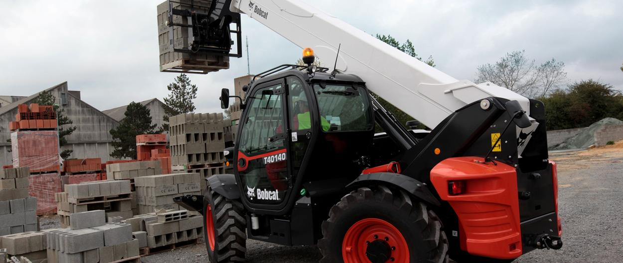 Bobcat Telescopic Handler T40140 with Pallet Fork in Construction application