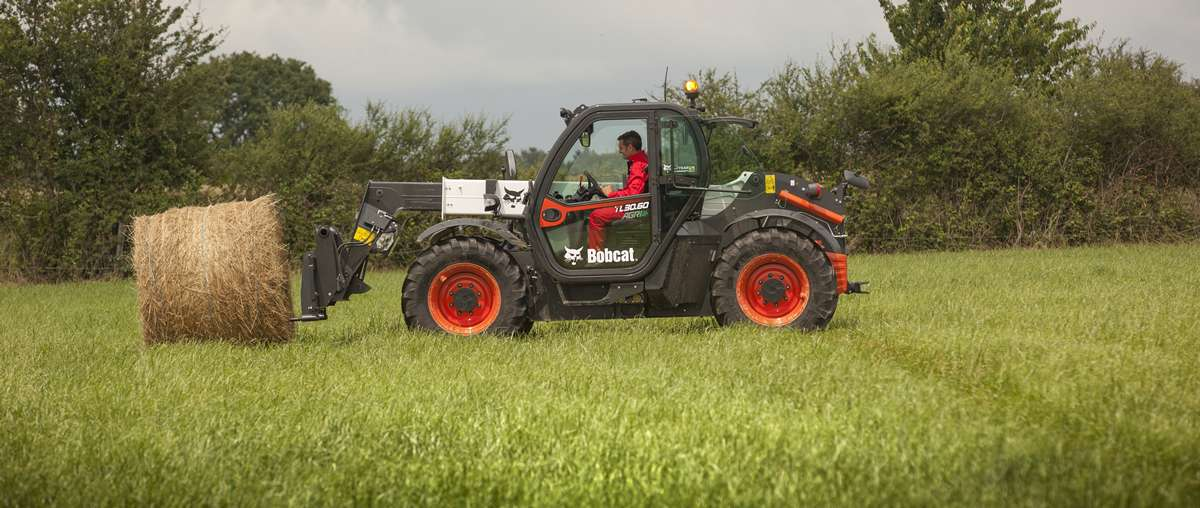 Bobcat TL30.60 AGRI Telescopic Loader with bale spike