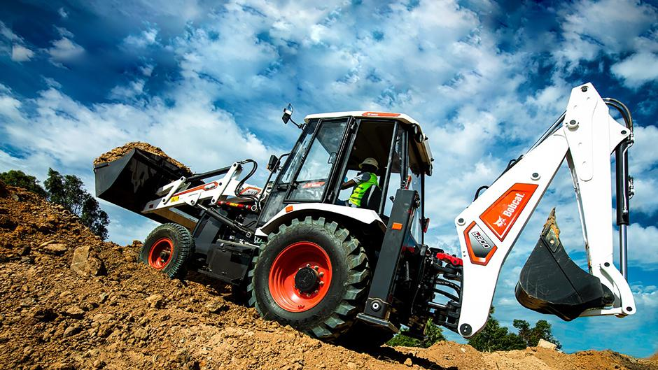 Introducing the Bobcat B900 Backhoe Loader in India