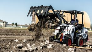Bobcat Small Articulating Loader With Loader Attachment